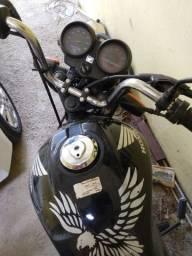 Vendo pesas desta moto e de leilão tenho a nota fiscal do leilão ou vendo toda
