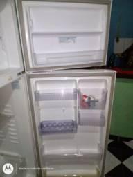 Geladeira Frost Free Eletrolux super freezer 430 L