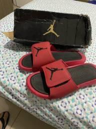 Chinelo jordan tamanho 41