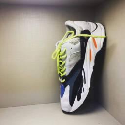 Adidas boost 700