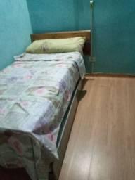 Alugo quarto mobilhado.