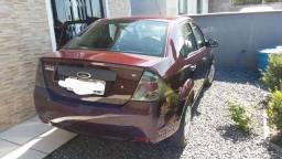 Fiesta sedan carro bem conservado