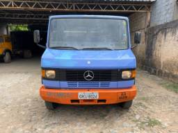 M Benz 709 95/95 Azul Chassis
