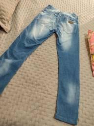Calça jeans lado avesso