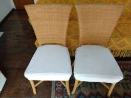 Cadeiras Com Forro Marca Saccaro, Novas