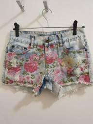 Shorts Jeans Com Estampa Floral