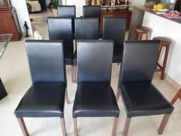 8 cadeiras em courino preto