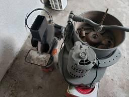 Máquinas para polimento e acabamento ótico