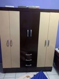 Vende se guarda roupa de 6 portas e 3 gavetas