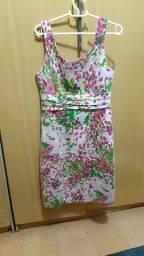 Vestido com estampa floral