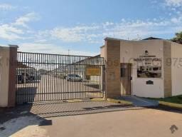 Sobrado à venda, 3 quartos, 1 suíte, 2 vagas, Tiradentes - Campo Grande/MS
