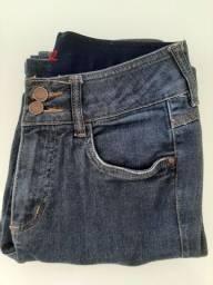 Calça jeans escura marca Loopper