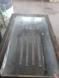 Mesa para revelar tela