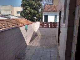 Alugo Apartamento ,  2 quartos, banheiro:  blindex e jacuzzi, ampla área de serviço, Jardi