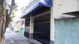 Título do anúncio: Alugo casa na Piedade, em frente de Rua, de 1 quarto  - Excelente localização