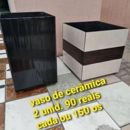 Vasos 2 und. 90 reais cada ou 150 os dois somente os vasos
