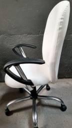 Cadeira Presidente para escritório, home office, sala de reunião, etc
