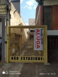 Título do anúncio: Aluguel de Sobrado no Centro (1 quadra da praça Ary Coelho)