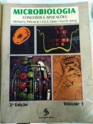 Livros de microbiologia, DNA, hematologia