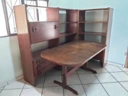 Conjunto c/ Estantes e Mesa de Jantar. Antigos! Mais de 40 anos de Uso. Relíquia!
