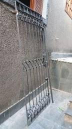 Portão de ferro 2,18m x 0,93m