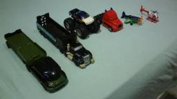 Vendo 6 Carrinhos da HOT WHEELS para colecionadores,por: