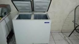 Freezer Metalfrio 300 Litros 2 tampas