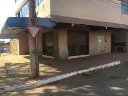 Vendo/troco, prédio comercial em São Sebastião, são duas lojas no térreo e 9 kits, sendo t