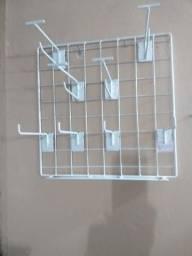 Expositor com 8 ganchos para balcão med 0,40 x 0,40 usado
