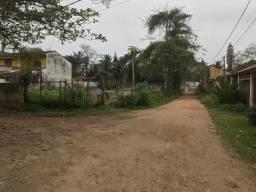 Lote em Ubatuba, esquina com 374m², próximo das cachoeiras, plan e sem árvores