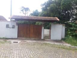 Linda casa em Petrópolis em rua fechada com total segurança e perto de tudo