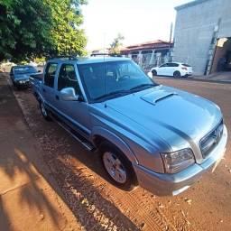 Chevrolet S10 muito bem cuidada
