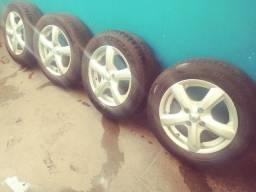 Rodas 4x100 pneus bons