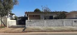 Averbada!!! Excelente casa muito bem localizada no Bairro Floresta, terreno medindo 412m²
