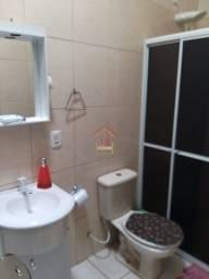 Belo Sobrado com 02 dormitórios, sendo 02 suítes, lavabo,