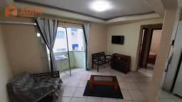 Apartamento quadra mar, 02 dormitórios com 01 vaga privativa no Edifício Raquel, Centro de