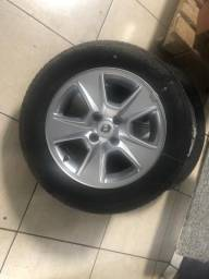 Vendo jogo de rodas aro 15 com 4 pneus zero