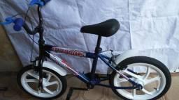 Bicicleta infantil estado de nova