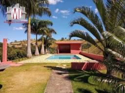 Linda chácara com 4 quartos, pomar, piscina e campo de futebol, à venda em Pinhalzinho/SP