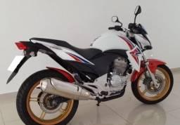 Honda cb 300r ano 2015