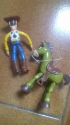 Bonecos toy store