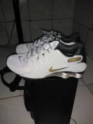 Tênis Nike shox. N.40 pouco usado