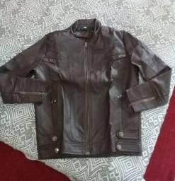 Jaqueta de couro vendo ou troco por maior