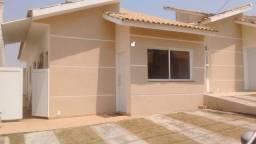 Excelente casa em condomínio/ 3 Dorm./ Suíte/ Quintal/ 2 Vagas/ Wanel Ville