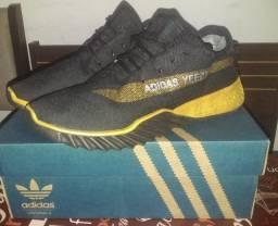 Tênis Adidas Yeezy Nº43