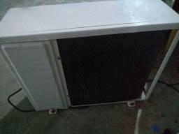 Ar condicionado Condensadora 12.000 BTUs quente/fria