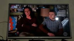 Vendo TV 32 polegada novinha não é SMART