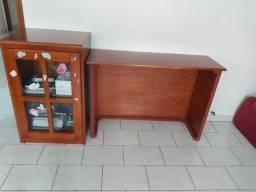 Mesa para estudo de madeira