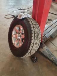 Pneus Dunlop 31/10,5r15 baixo km