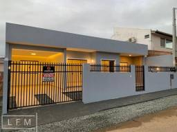 Casa com excelente localização em Balneário Piçarras